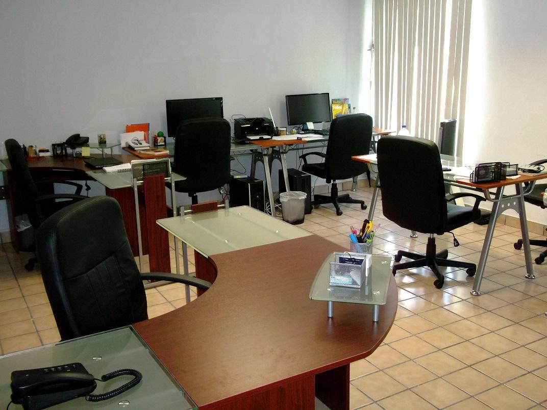 Oficinas ejecutivas en renta servicios incluidos zona for Oficina de correos guadalajara