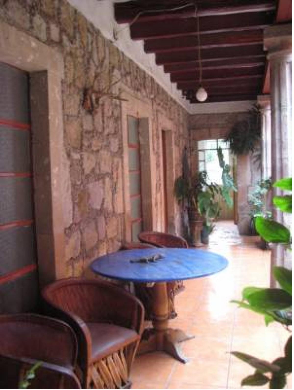 Hermosa Casa Colonial De Dos Pisos En Venta En El Centro