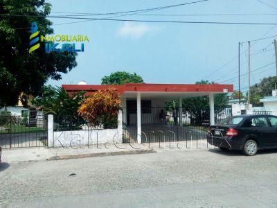 Se renta casa 3 recamaras Calle Melchor Col. rodriguez cano Tuxpan Ver | InmoMexico
